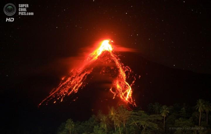 Izverzhenie vulkana Karangetang 2