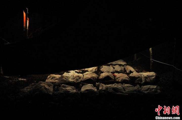 Kitaj opolzen pogibli 42 cheloveka (10)