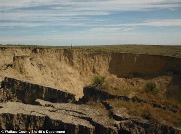 Sinkhole Western Kansas (3)